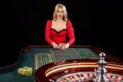 Online Roulette sexy girl