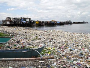Baseco outside of Manilla, covered in ocean plastic