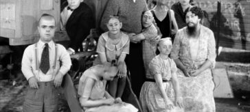 Tod Browning's freak show